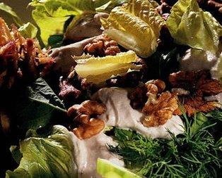 Cevizli Yeşillik Salatası Tarifi