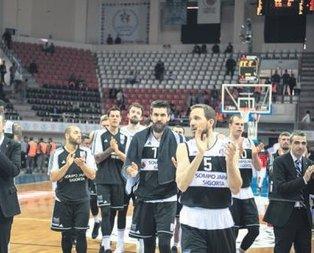 Beşiktaş Antep'i çok rahat geçti