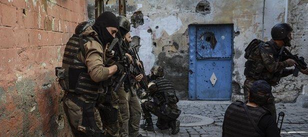 Suikast için sınırı geçen teröristler yakalandı