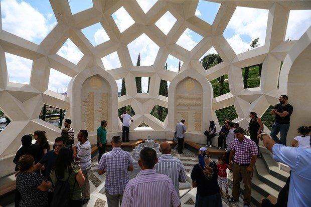 15 Temmuz Şehitler Anıtı yoğun ilgi görüyor