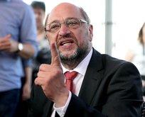 Salladığın parmaklara dikkat et Schulz