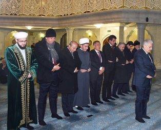 Başbakan Yıldırım Tataristanda namaz kıldırdı
