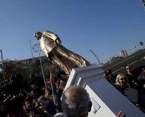 Netanyahunun heykelini yıktılar