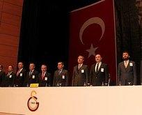 Galatasaray'a siyaset soktular