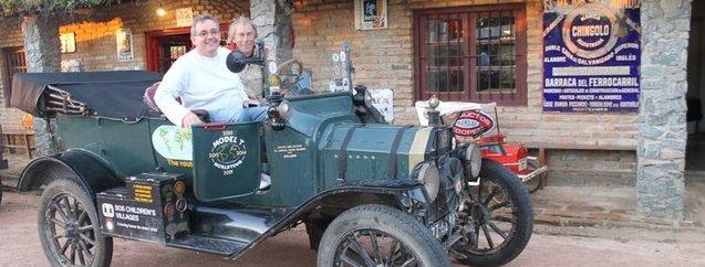 Asırlık otomobil ile dünya turu